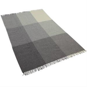 Pläd ull grå/vit storrutig 140×240 cm